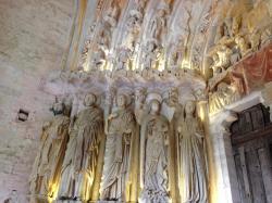 de droite à gauche :la vierge, l'ange Gabriel, Isaïe, St jean Baptiste ? Ezechiel ?